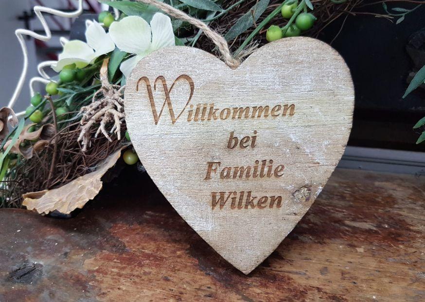 Deko-Herz mit Willkommenstext